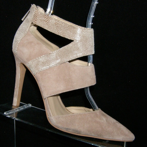 c8878bc918f5 Vince Camuto Cecie brown suede pointed heels 8.5M.  M 5bbc4783bb76150cb11c5926